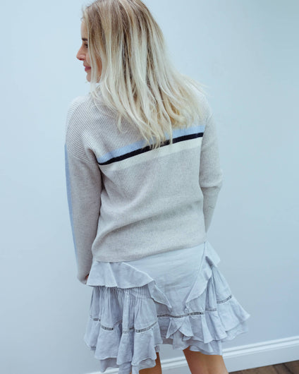 V Kyla knit in heather grey