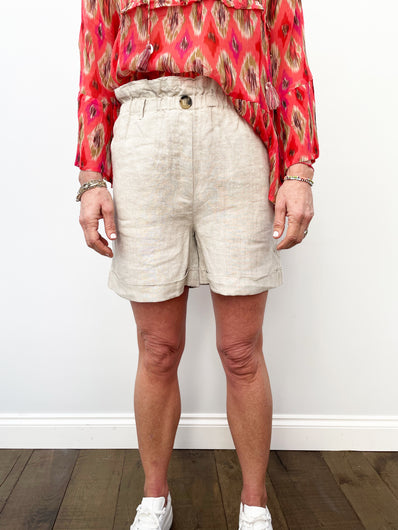 MOLIIN Grith Shorts in Natural