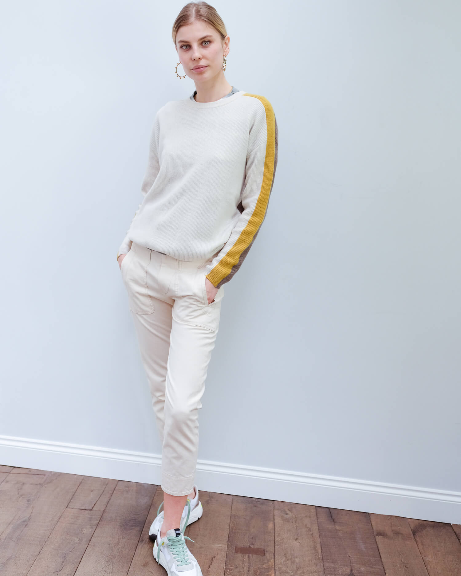 V Polly cashmere knit in milk