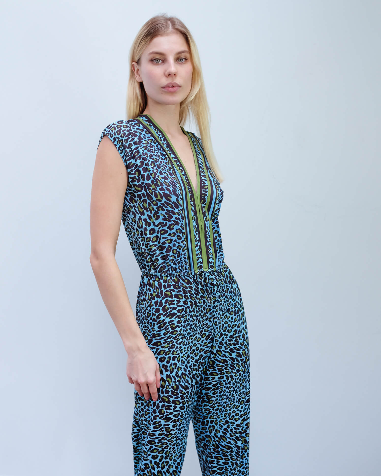 HB 8552 Leopard jumpsuit in blue