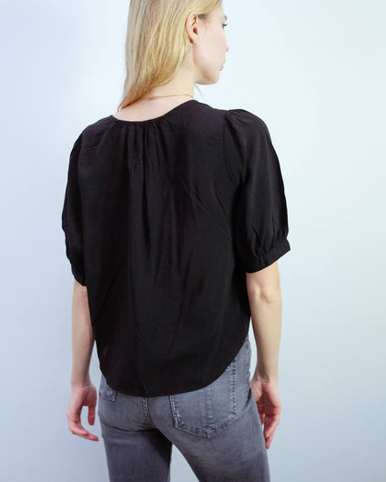 V Willow top in black