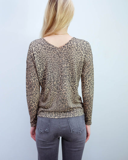 HB 7401 LS V neck leopard top in brown