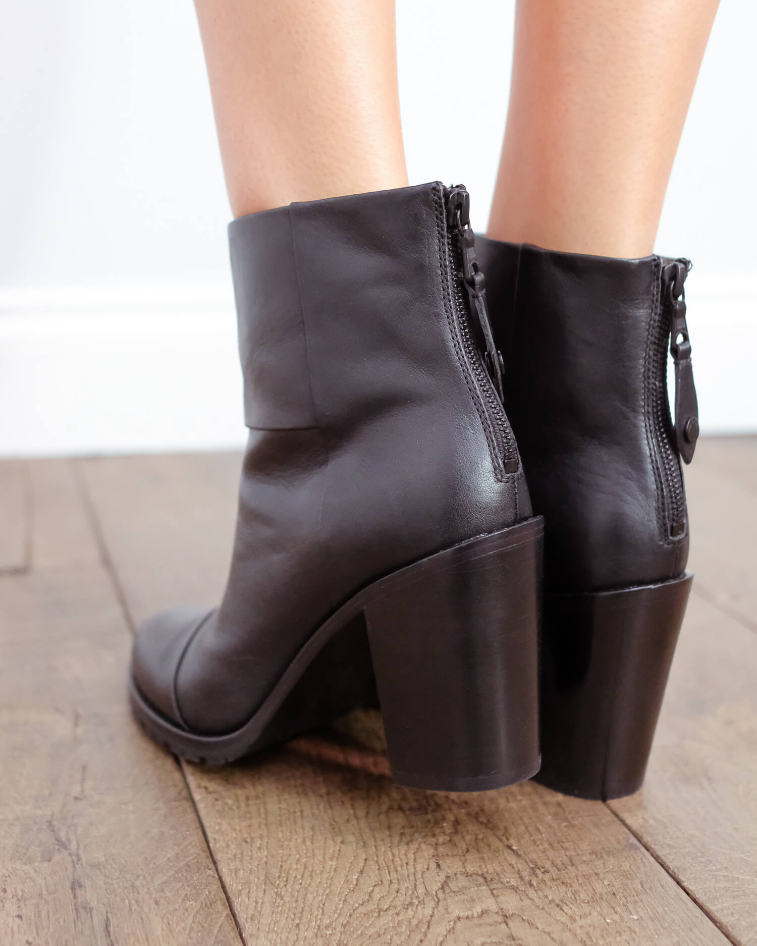 R&B Newbury boot in black