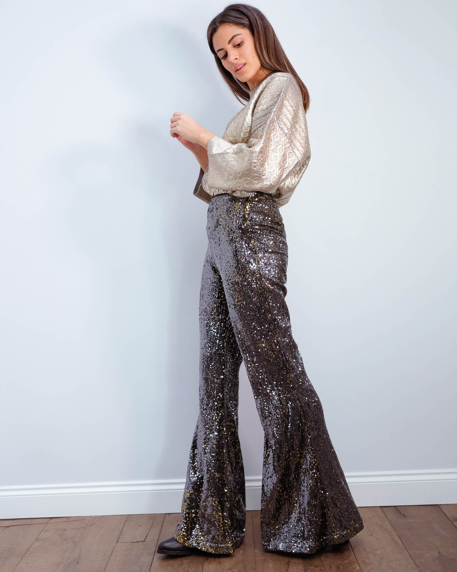 EA Vuggme sequinned pants in winter moss