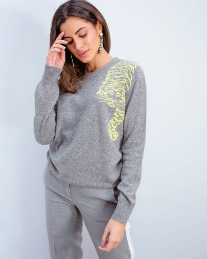JU Creeping tiger crew in grey