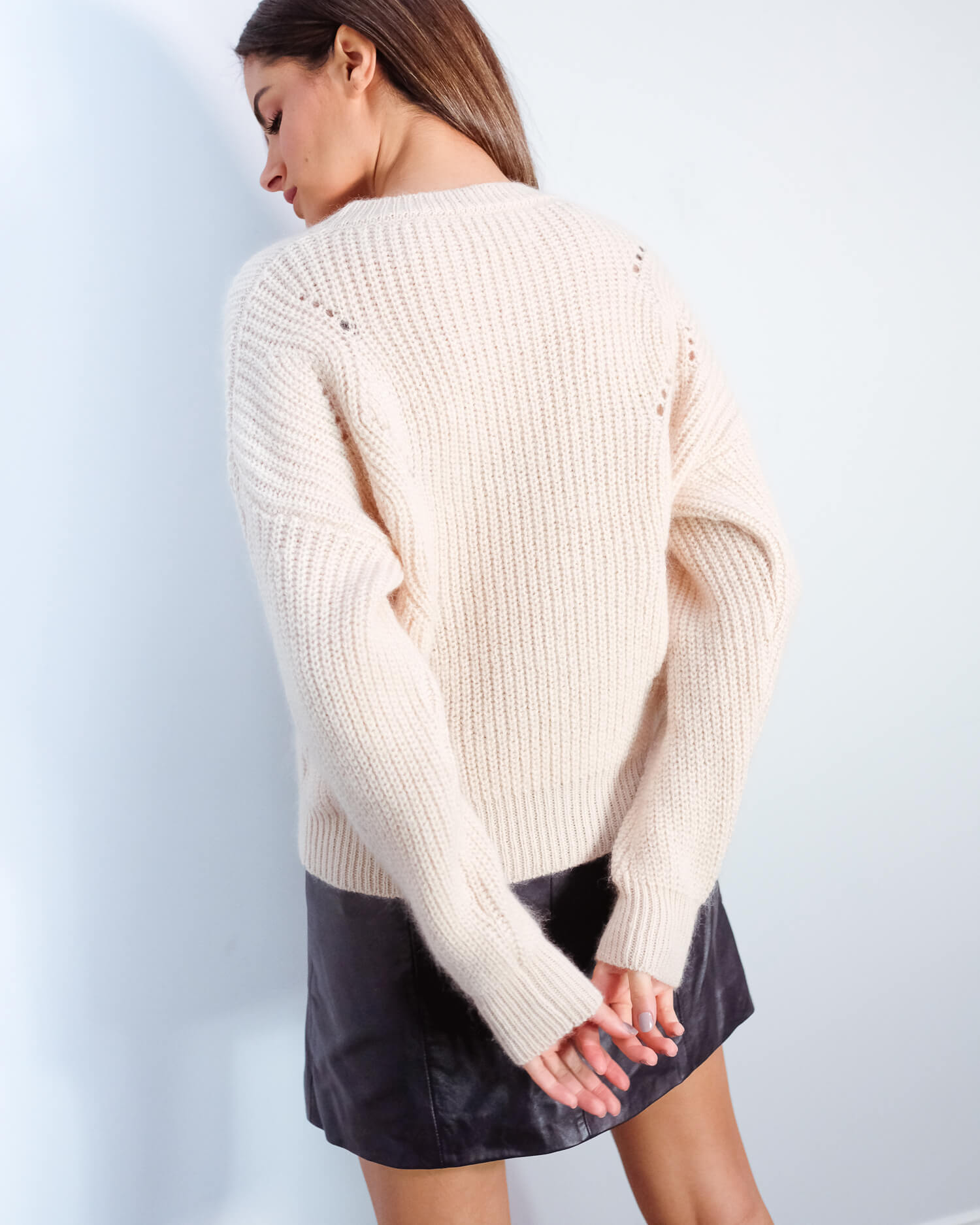 EA Vally knit in white