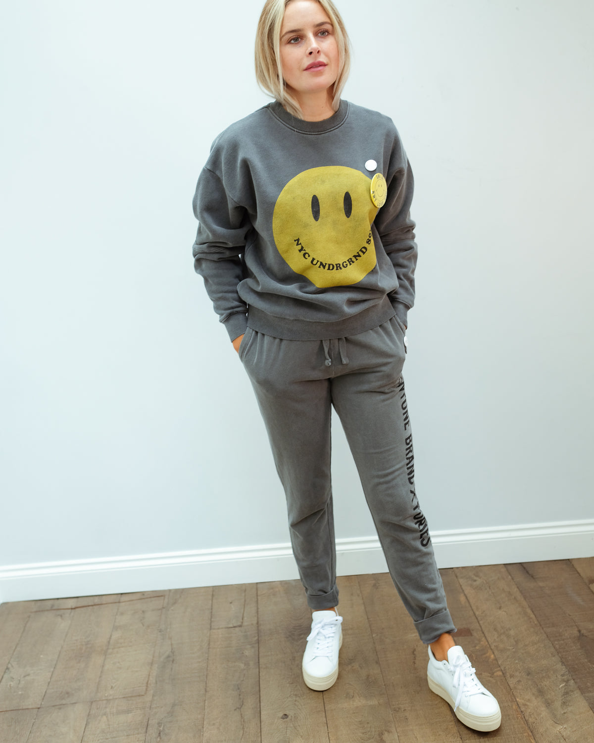 NT Smiley sweater in pepper