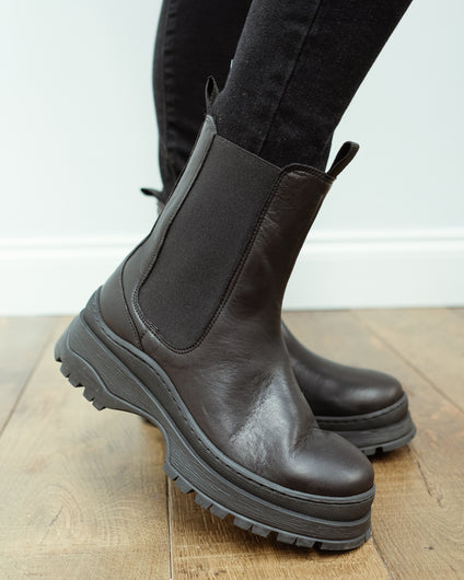 SLF Lucy leather chelsea boot