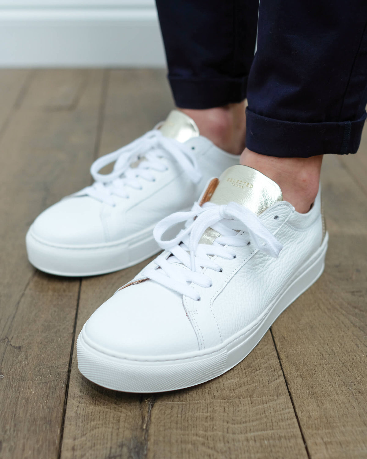 SLF Donna leather sneaker in white and gold