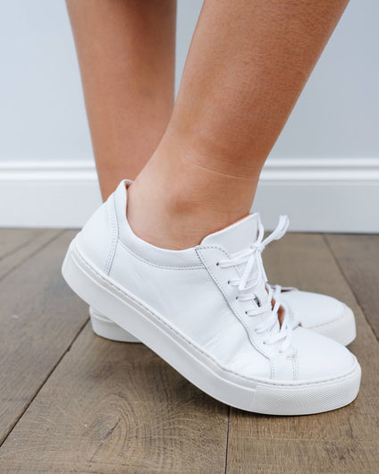 SLF Donna leather sneakers in white