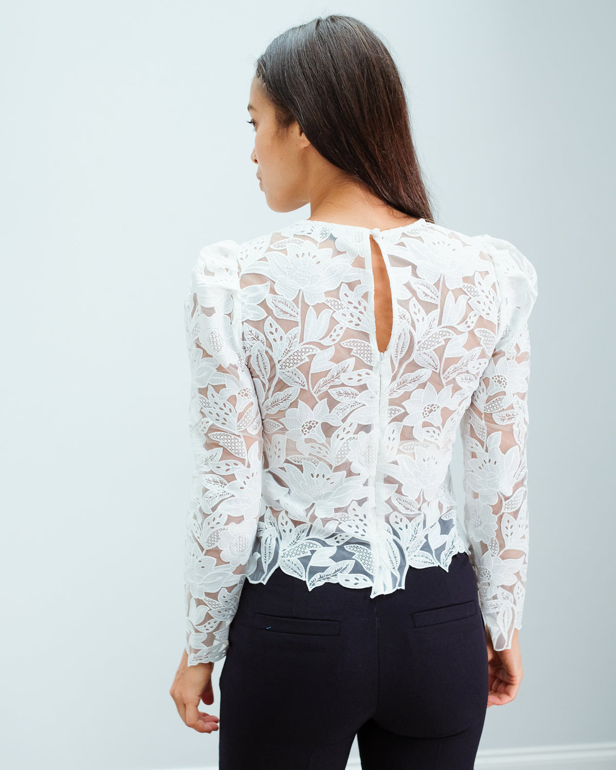 SP 151 Leaf guipure top in white