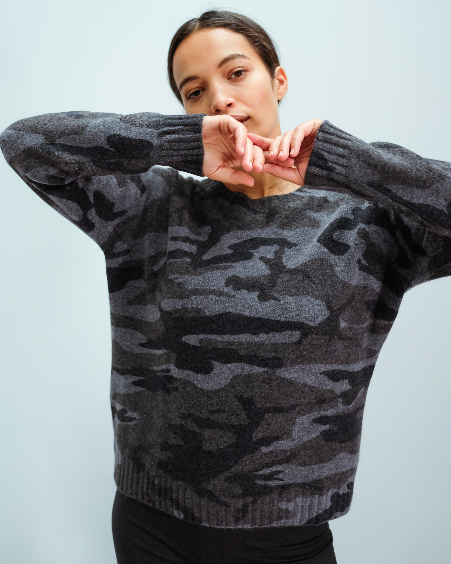 RAILS Louis knit in charcoal camo