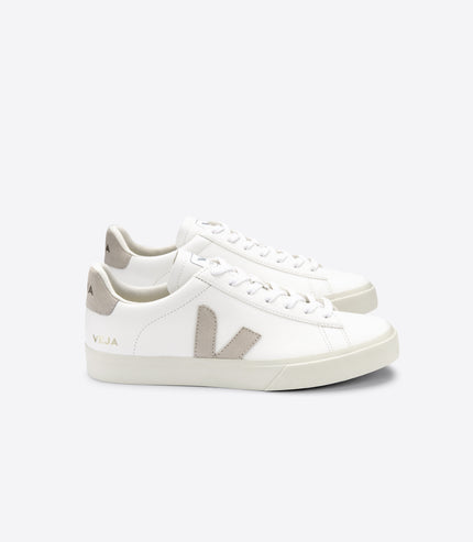 VEJA Campo Chromfree in Extra White, Natural Suede