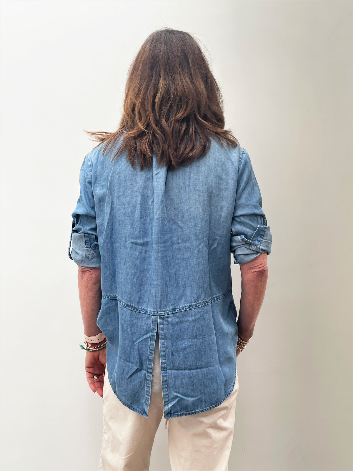 BD Split Back Button Down Shirt 2631 in Chambray Wash