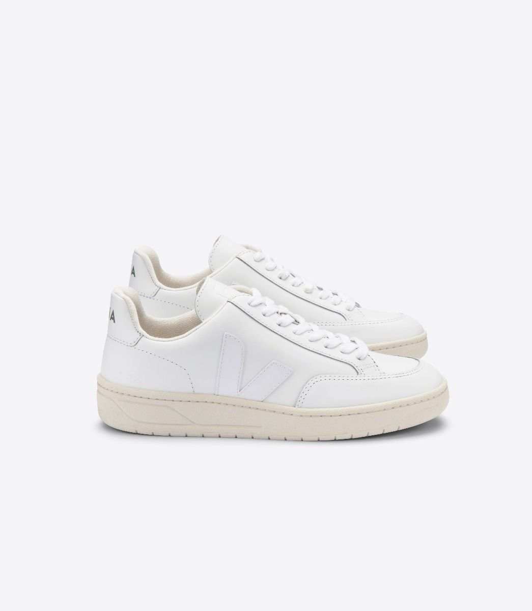 VEJA V-12 Leather in Extra White