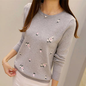 Fashion Peach Embroidery Slim Girl's Knitted Pullover