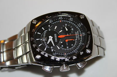 WW0822 Seiko Sportura Kinetc Chain Watch SNL015P1
