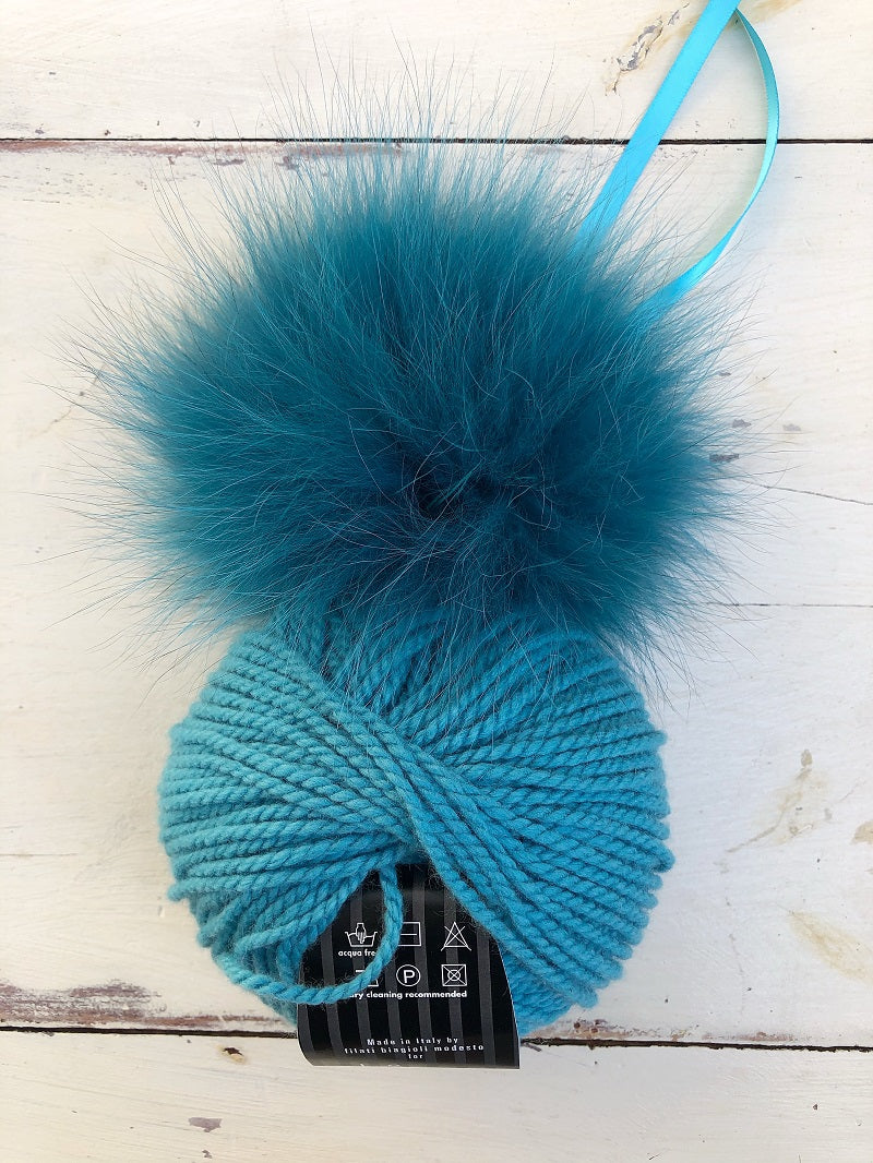 Shay Hat Kit with Optional Fur Pom Pom