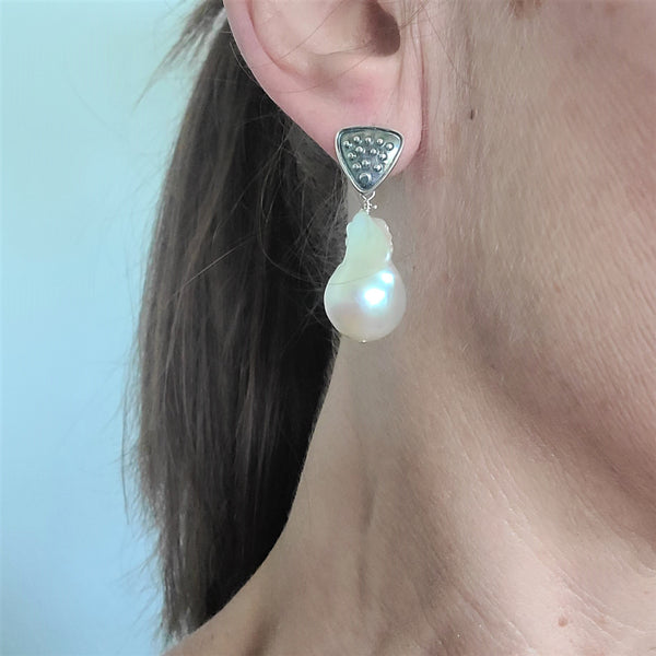 Dot Urban Pearl Drop Earrings