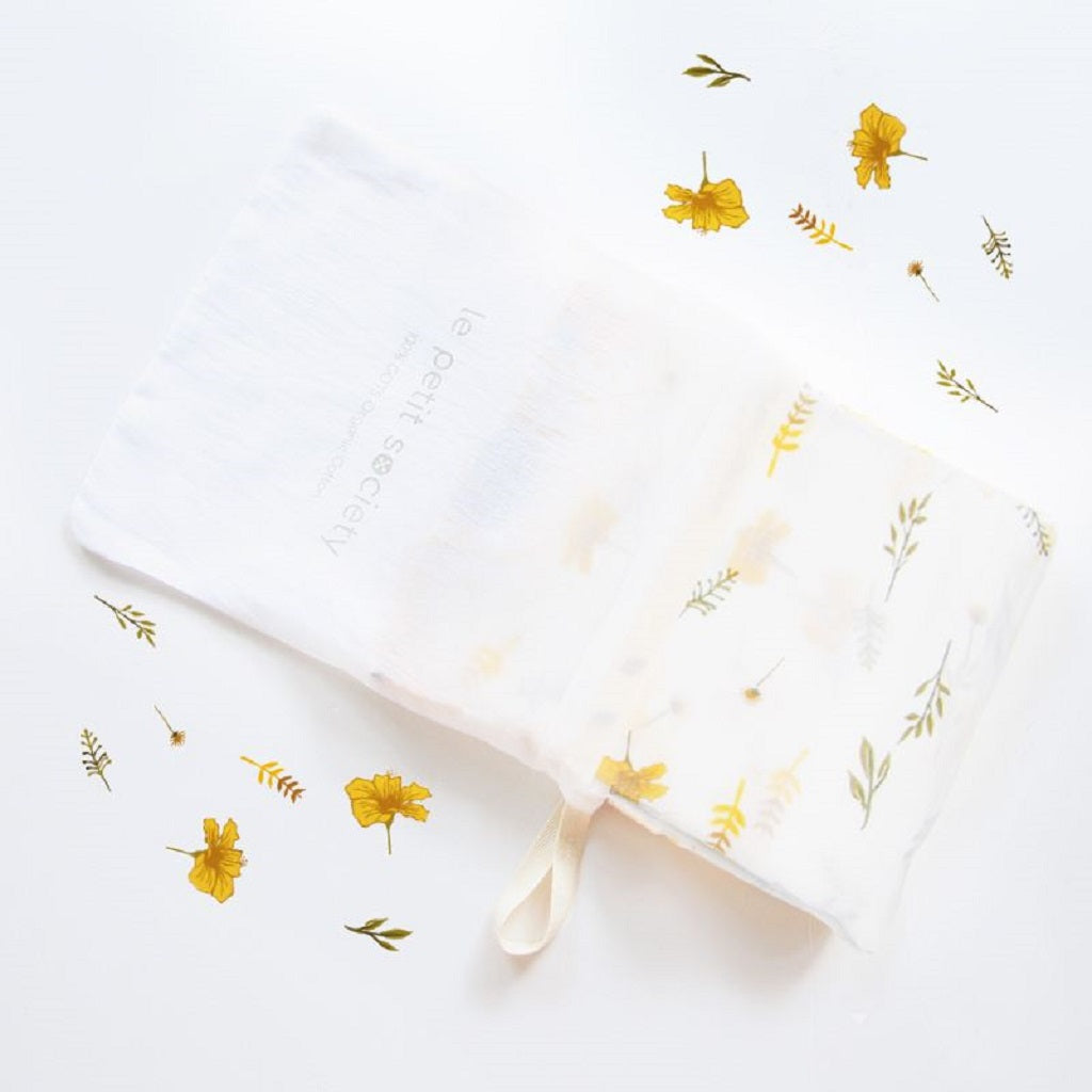Le Petit Society Organic Muslin Swaddle - Flowers