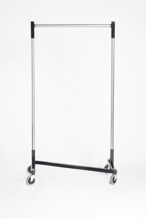 Quality Fabricators¨ Heavy duty Z-Rack with 3ft base and 5ft uprights with quickrail