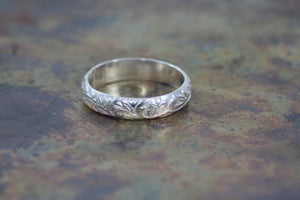Spirit of Vera - Flower Ring