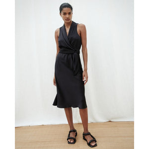 Zarina Black Satin Circle Skirt fra Nanushka