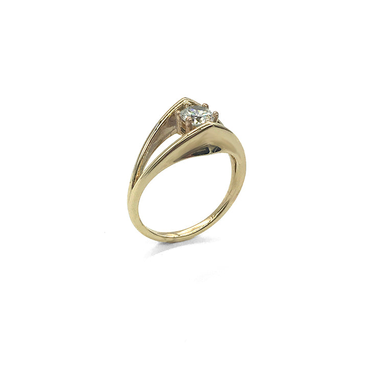 Petal Buttress Solitaire Ring