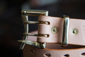 "1.5"" Double or Single Prong London Tan Sedgwick Bridle Quick Release Belt with Nickel Plated Brass Buckle and Wide Navy Keeper"