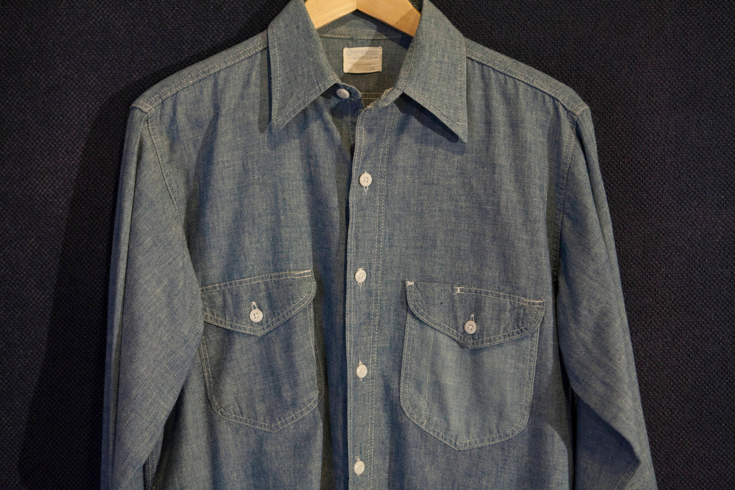 Vintage Osh Kosh B'Gosh 100% Cotton Chambray Workshirt with Acorn Pockets and Pen Holder Size Large