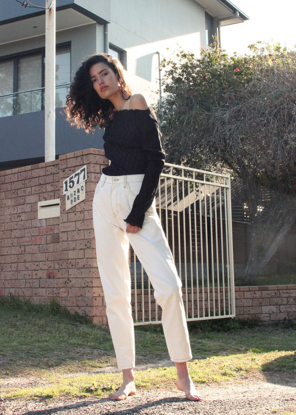 India wears the Helen Mom Jeans in Double Cream from Laundromat