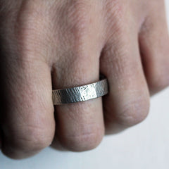 wood-grain-wedding-ring