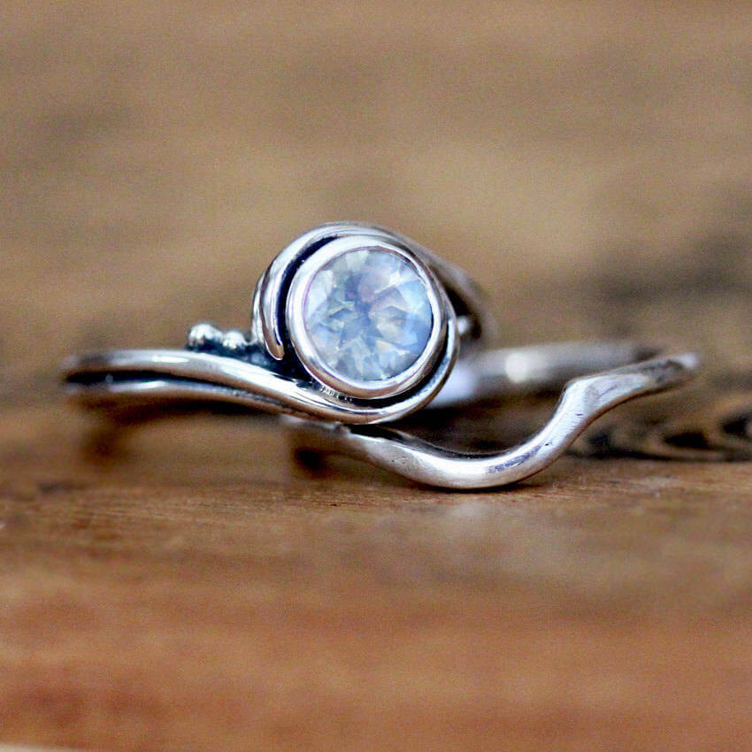 Handmade engagement ring set with rainbow moonstone from Metalicious