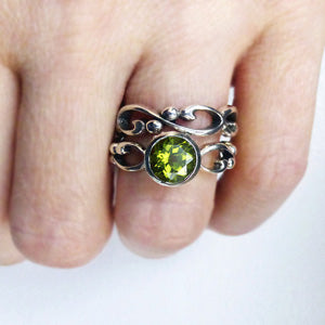 handmade-ethical-Wrought-Inifinity-Peridot-Engagement-Ring-Set-03
