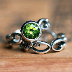 handmade-ethical-Wrought-Inifinity-Peridot-Engagement-Ring-Set-02