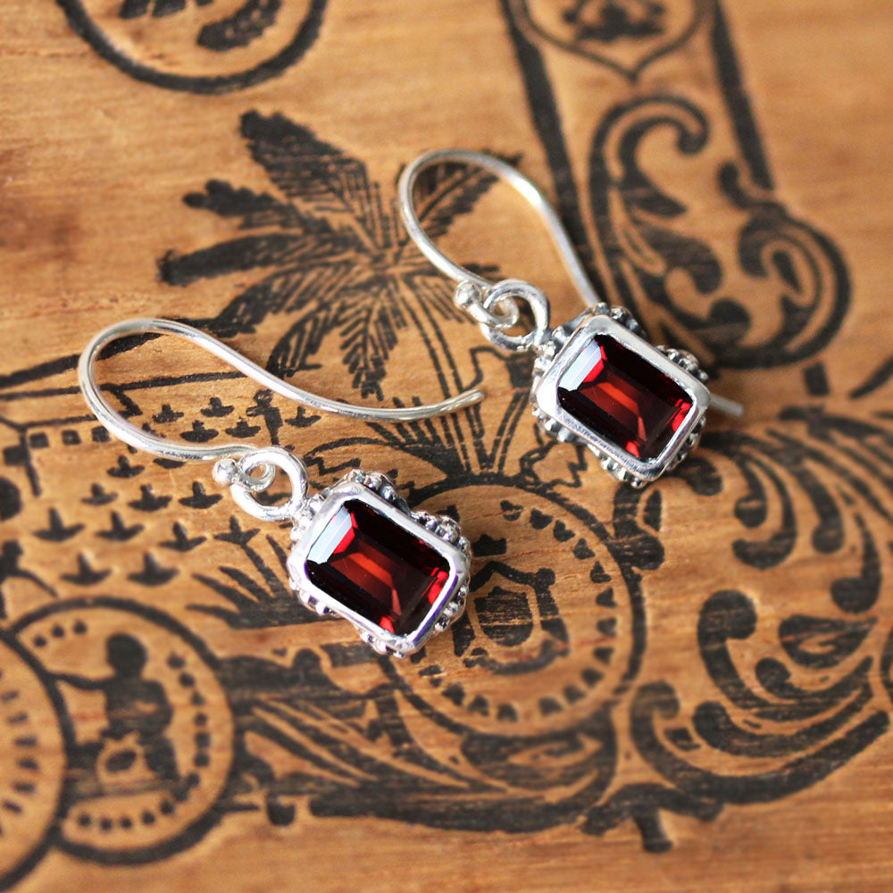 flower earrings garnet 5