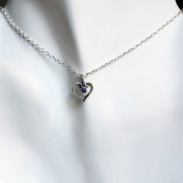 handmade-ethical-Blue-Sapphire-Silver-Heart-Necklace-03