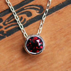 Red-Garnet-Wrought-Bezel-Necklace-02