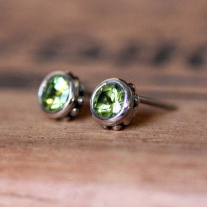 handmade-ethical-Wrought-Peridot-Stud-Earrings-02