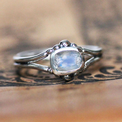 Air Ring - Silver and Rainbow Moonstone