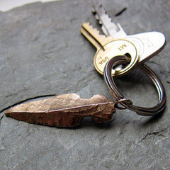 View of the bronze arrowhead keychain from Metalicious