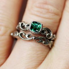 unique emerald engagement ring set