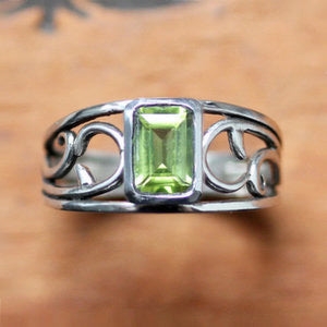 handmade-ethical-Peridot-Sterling-Silver-Vine-Ring-02