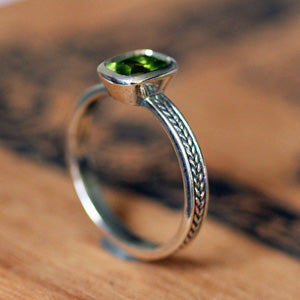 handmade-ethical-Peridot-Gemstone-Wheat-Braid-Ring-02