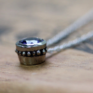 handmade-ethical-White-Gold-Blue-Tanzanite-Wrought-Bezel-Necklace-02