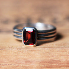 handmade-ethical-Red-Garnet-Modern-Ribbed-Triple-Band-Ring-02