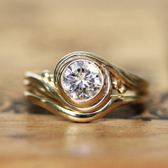 Moissanite Engagement Ring Set Gold, Pirouette