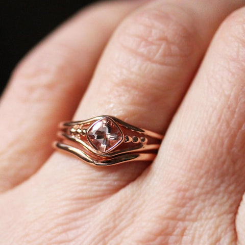 rose gold satellite ring set with morganite