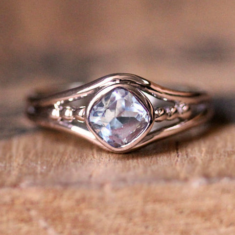 rose gold satellite ring with morganite
