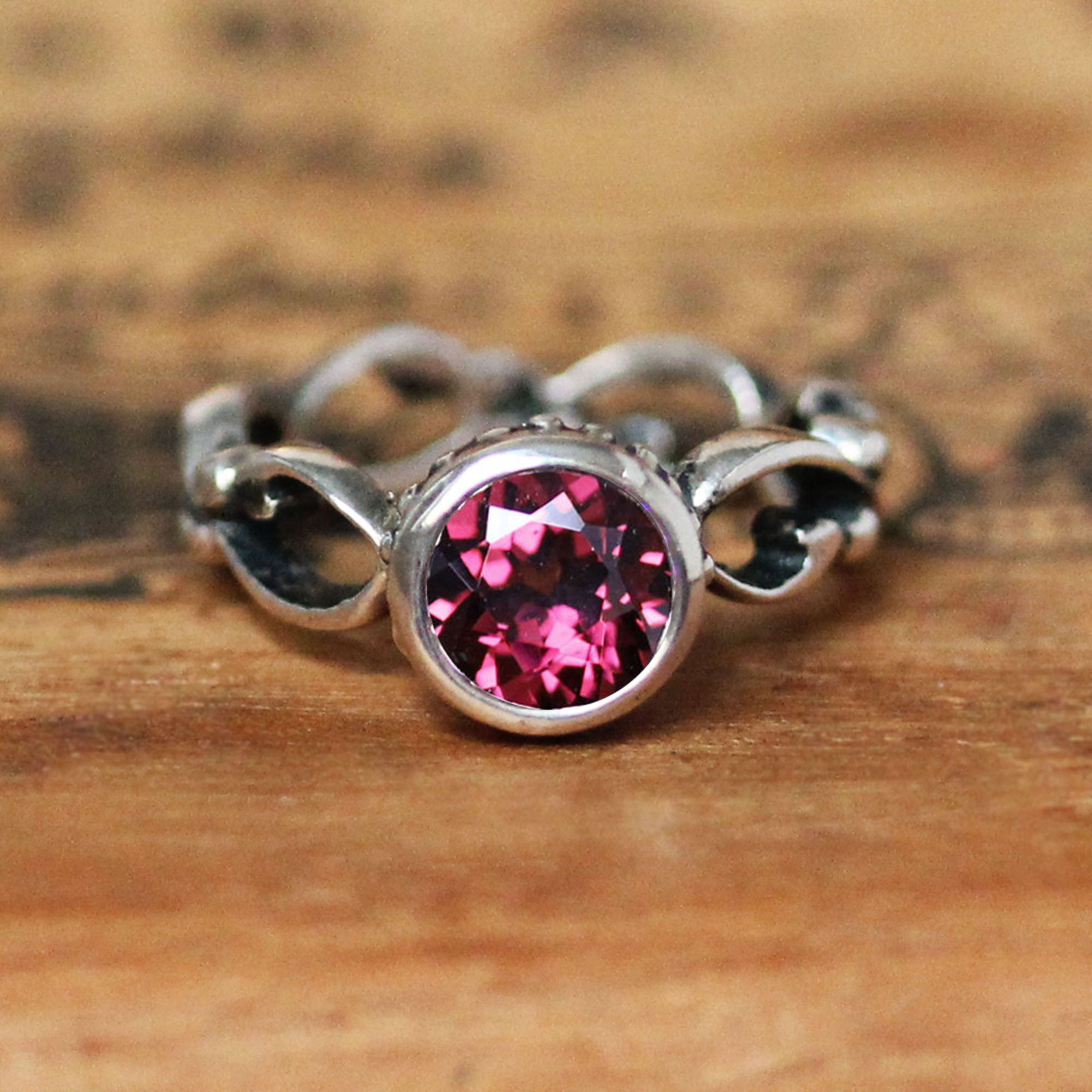 Details about  /81stgeneration Sterling Silver Garnet Round Oxidized Tribal Disc Ring